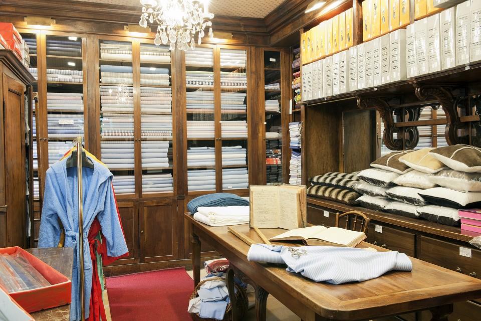 Giovanni rivara arredamento per la casa telerie mezzari for Arredamento originale casa